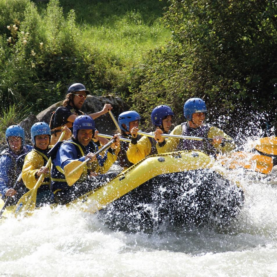 rafting in val di sole per adulti e bambini - centro rafting dimaro